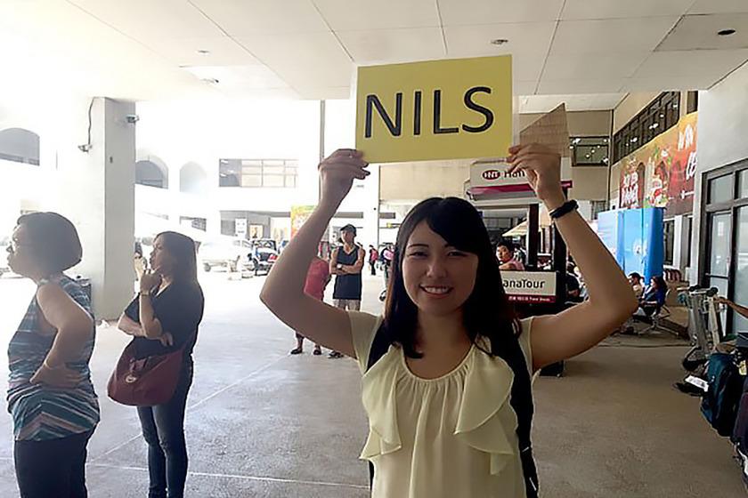 生徒を空港まで迎え位に行くピックアップ業務