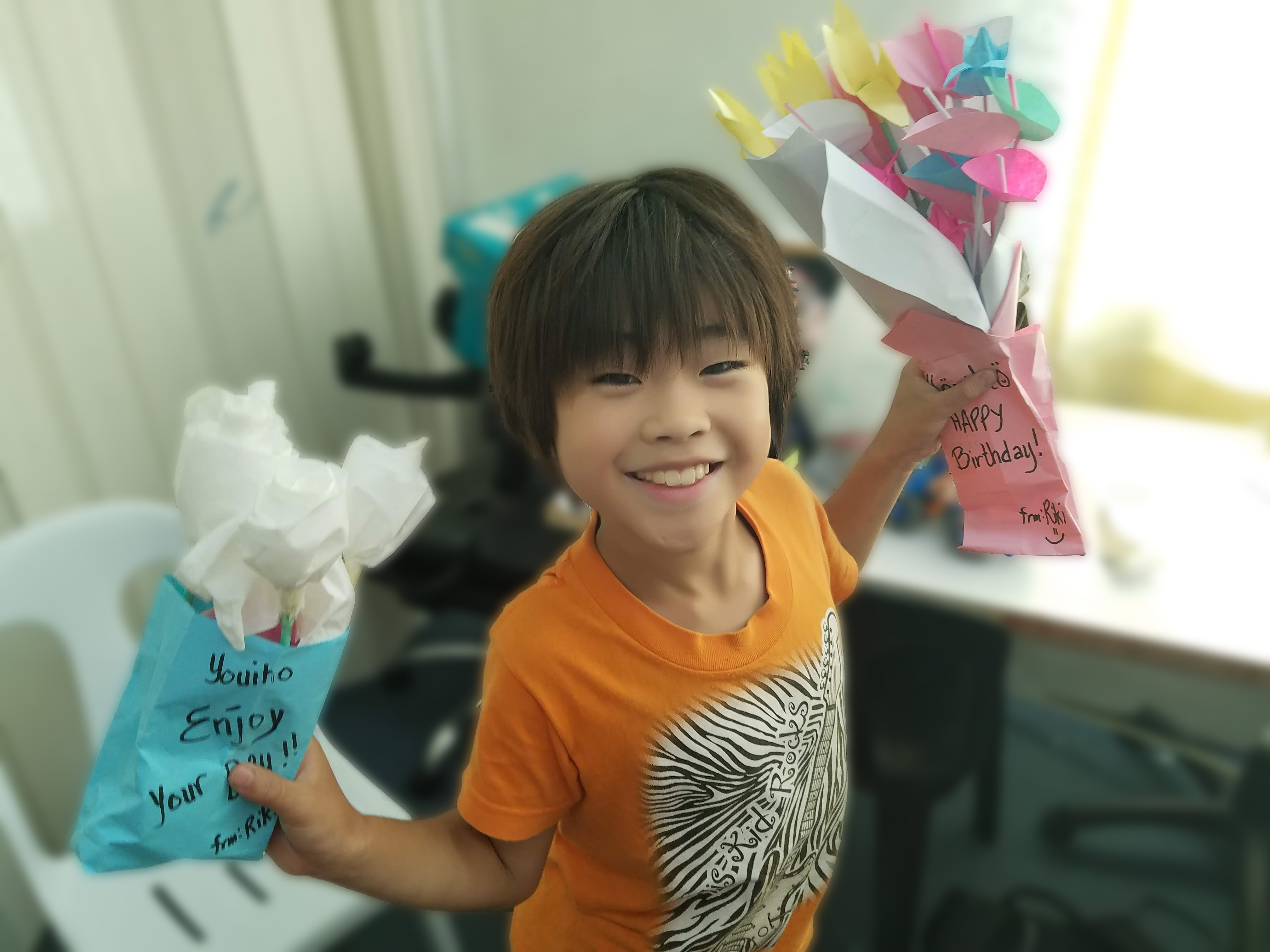先生と作った折り紙の花束
