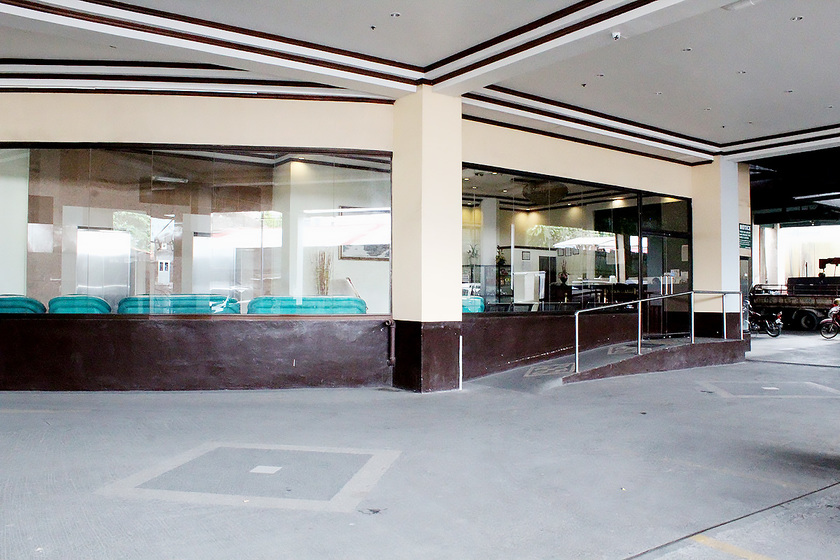 ホテル入口