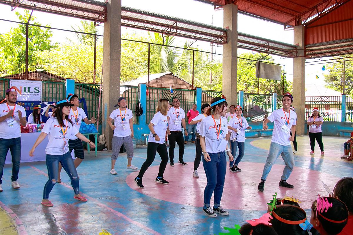 生徒さんたちのダンス