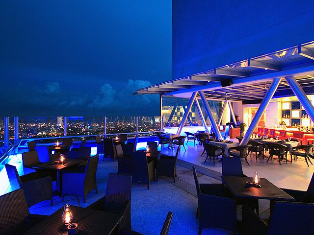 最上階にあるレストランの風景