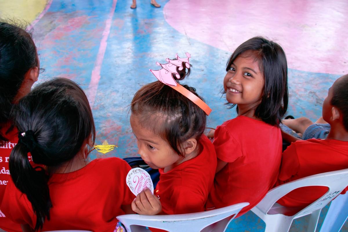 チャリティーイベントに参加する子供