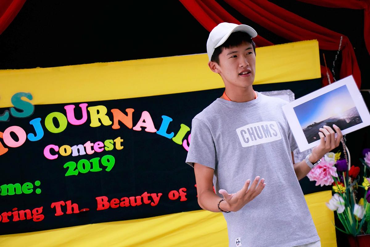 写真コンテストに参加している北村さん