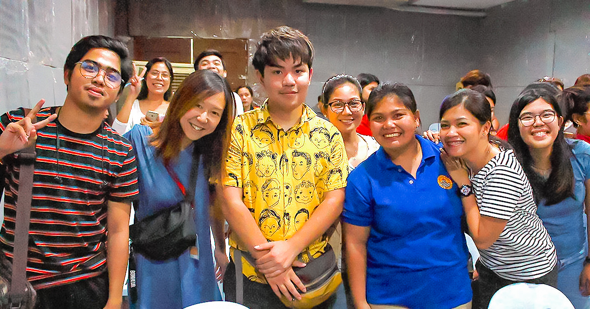 日本語を学んでいるフィリピンの生徒さんとニルスの生徒さん