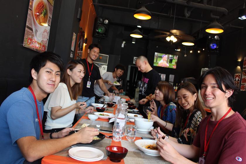 職場の仲間と職場近くの日本食レストランへ